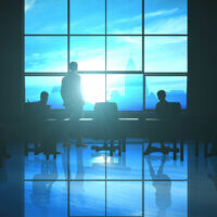 Vrouwelijke commissarissen en directeuren verdienen aanzienlijk minder dan hun mannelijke collega's