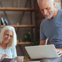 Inkomstenbronnen van twee generaties zestigers
