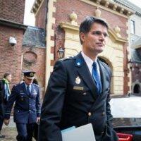 Akerboom trekt zich kritiek op politie aan