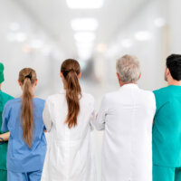 Ontwikkeling van sterk leiderschap van zorgprofessionals en zorgteams