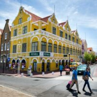 Minister Curaçao stapt op om onderzoek belangenverstrengeling