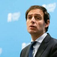 Minister Hoekstra vergelijkt vertrek Hamers met Ziyech