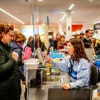 Directeur Albert Heijn: zorgpersoneel krijgt voorrang