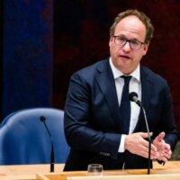 Minister hekelt 'indianenverhalen' over verdwijnen ontslagboete