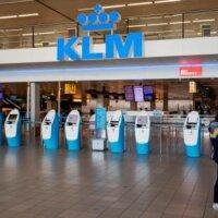 KLM stelt eenzijdig loonsverhoging uit