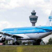 FNV overweegt KLM voor rechter te dagen na uitstel loonsverhoging