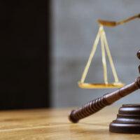Rechter weigert schorsing concurrentiebeding
