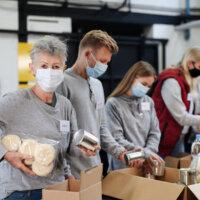 Oudere vrijwilligers willen anderen helpen en zelf iets nieuws leren