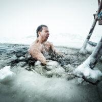 Een duik in een ijsbad