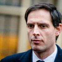 Hoekstra vindt aftreden onvermijdelijk, wil door als CDA-leider