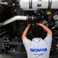 Medewerkers Scania in Zwolle leggen vrijdag werk neer