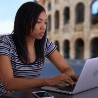 Hoe werken op afstand in het buitenland een tool is om talent aan te trekken & te behouden
