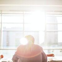 Bouwpersoneel keert terug naar kantoor – 5 tips voor managers