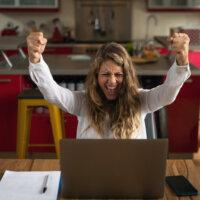 Extraverte en gewetensvolle werknemers meeste 'last' van thuiswerken